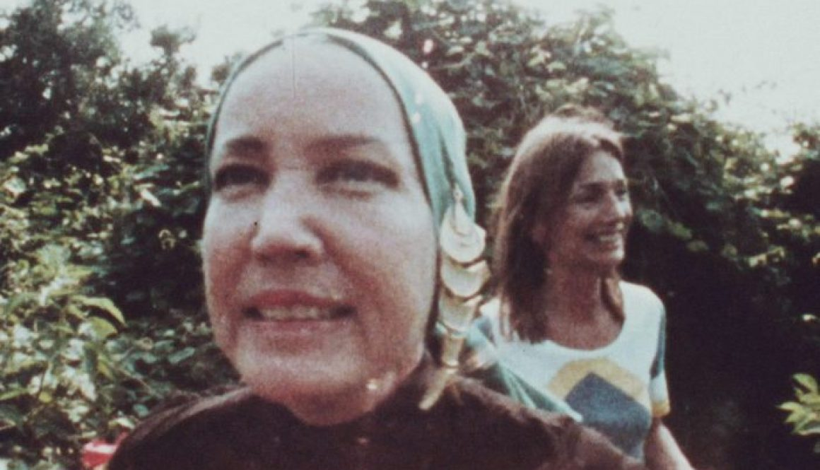 In 'That Summer,' the Stars of 'Grey Gardens' Look More Unhinged Than Ever