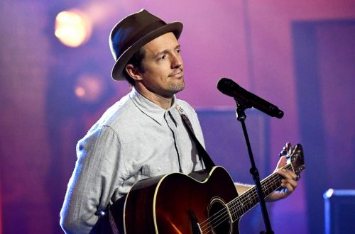 Jason Mraz Performs 'I'm Yours' and New Song 'Have It All' on 'Kimmel'