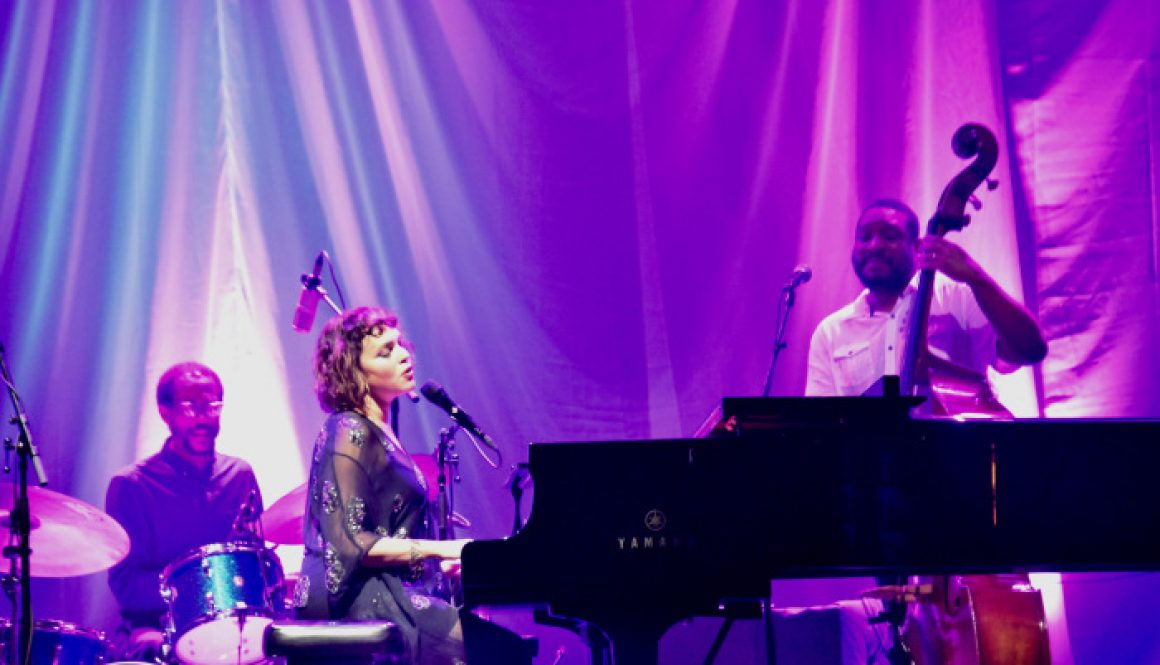Concert Review: Norah Jones Rocks Out Amid Jazz Comeback in L.A.