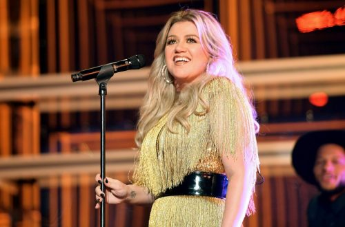 Kelly Clarkson Performs Reba McEntire's 'Fancy' at the Kennedy Center Honors