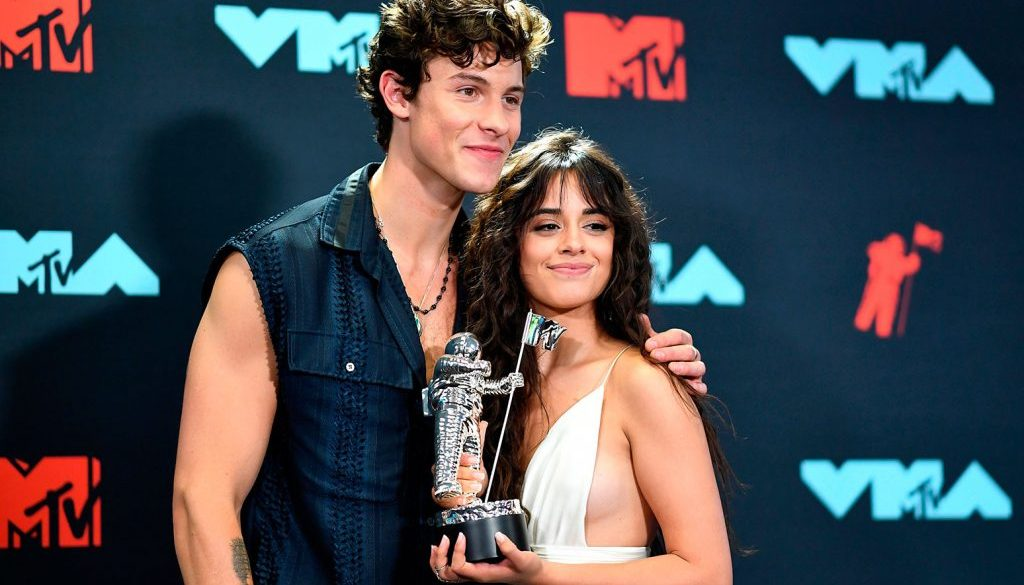 Shawn Mendes and Camila Cabello Kiss for the Camera: Watch