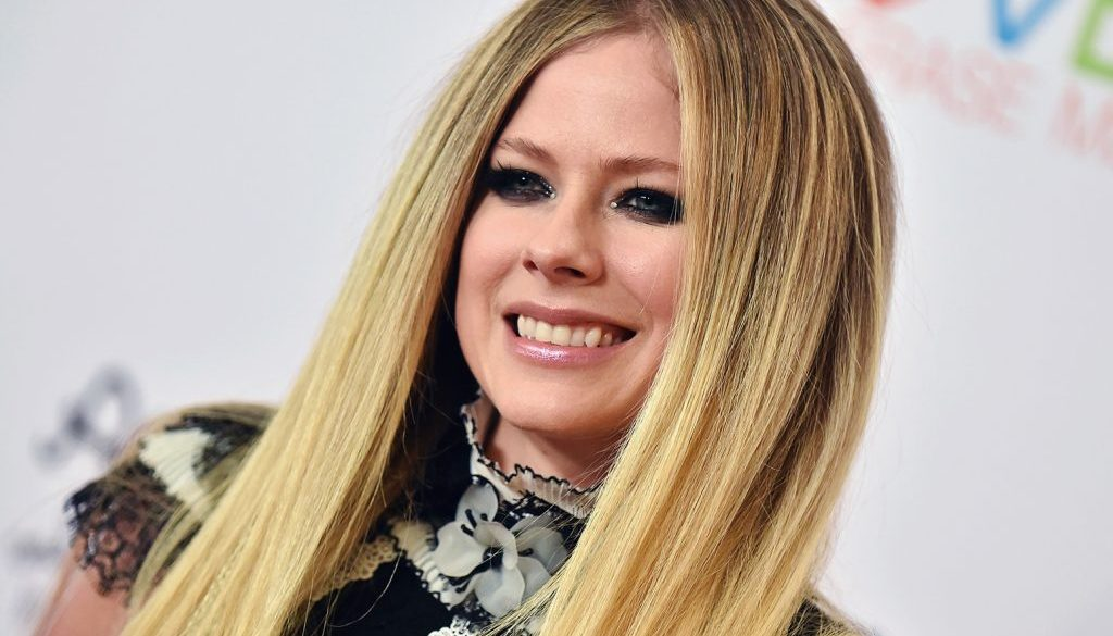 Avril Lavigne Welcomes New Member to the Family at Canadian Comeback Concert