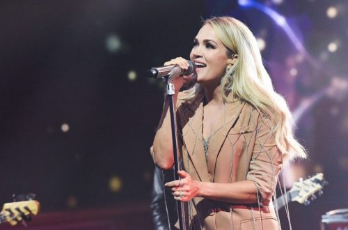 Carrie Underwood Gets Into the Halloween Spirit as 'Cry Pretty Tour 360' Wraps In Detroit