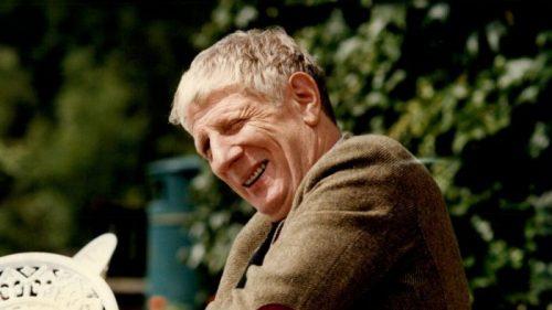 Jonathan Miller, British Writer, Director and 'Beyond the Fringe' Member, Dies at 85