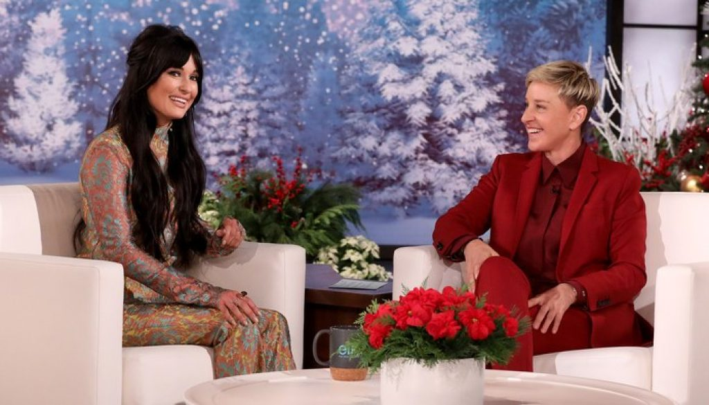 """Watch Kacey Musgraves Chat, Perform """"Christmas Makes Me Cry"""" on Ellen"""