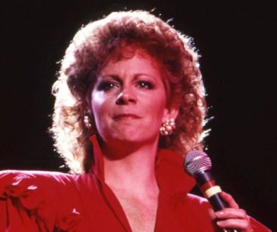 Rewinding the Country Charts: In 1983, Reba McEntire Sang 'The Blues' & Scored Her First No