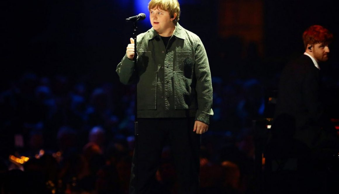 Lewis Capaldi Delivers Burning Rendition of 'Someone You Loved' at 2020 Brit Awards