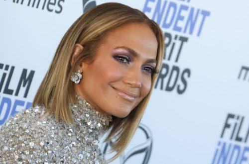 Jennifer Lopez & Jimmy Fallon Have a TikTok Dance-Off, Talk Quarantine Life