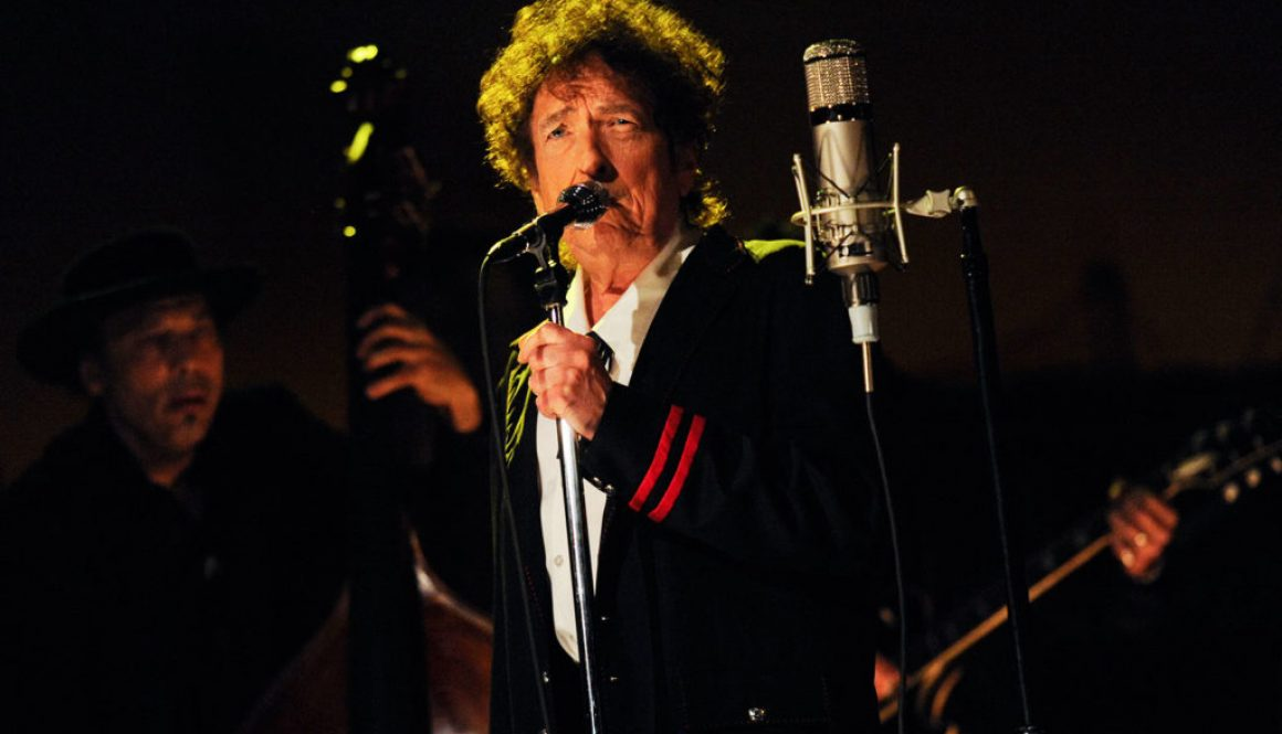 Bob Dylan's 'Rough and Rowdy Ways' Races to Lead on Midweek U.K