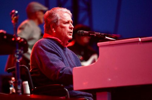 Brian Wilson Dishes 'Love And Mercy' on 'A Late Show': Watch