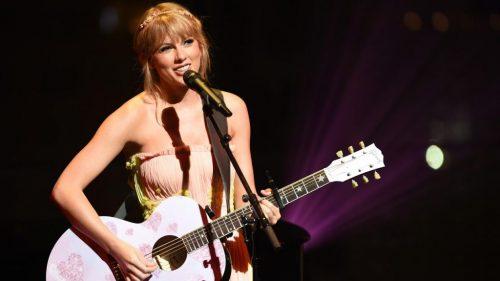 Taylor Swift Releasing New Album folklore Tonight