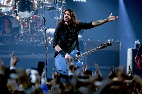 Foo Fighters Pay Tribute to 'Legend' Trini Lopez