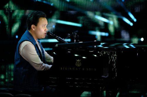 Kodi Lee Breaks Hearts With 'AGT' Performance as Five Advance to Semis: Watch