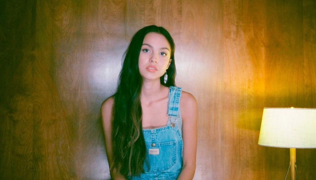 Here's What Fans Think Olivia Rodrigo's 'Drivers License' Is About