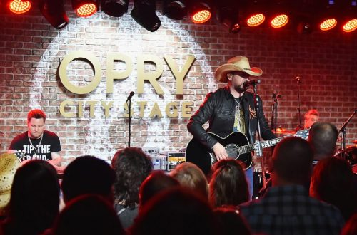 Jason Aldean Earns Sixth Top Country Albums No