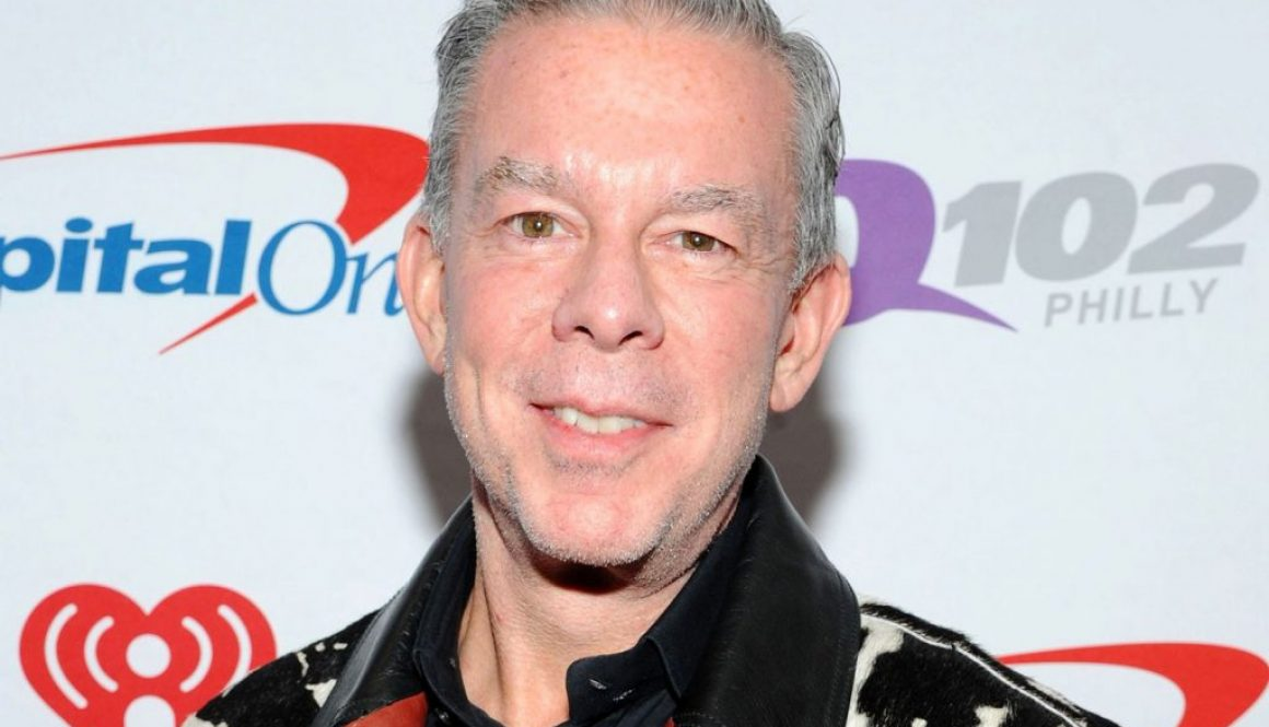 Elvis Duran Recalls Jingle Ball Memories With Shawn Mendes Ahead of 2020's Virtual Event