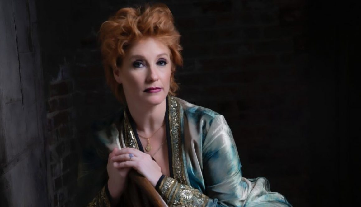 Leigh Nash, of 'Kiss Me' Fame, Signs With Nashville's Visionary Media Group