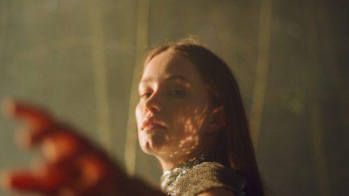 "Kelly Lee Owens Remixes Sigrid's ""Mirror"": Listen"