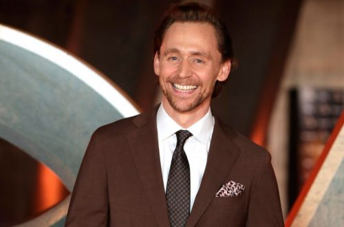 Tom Hiddleston Hits Billboard Chart for First Time, Thanks to 'Loki' Song 'Very Full'
