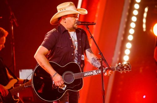 Jason Aldean Reacts to Backlash Over Wife's Anti-Biden Post: 'I Will Never Apologize for My Beliefs'